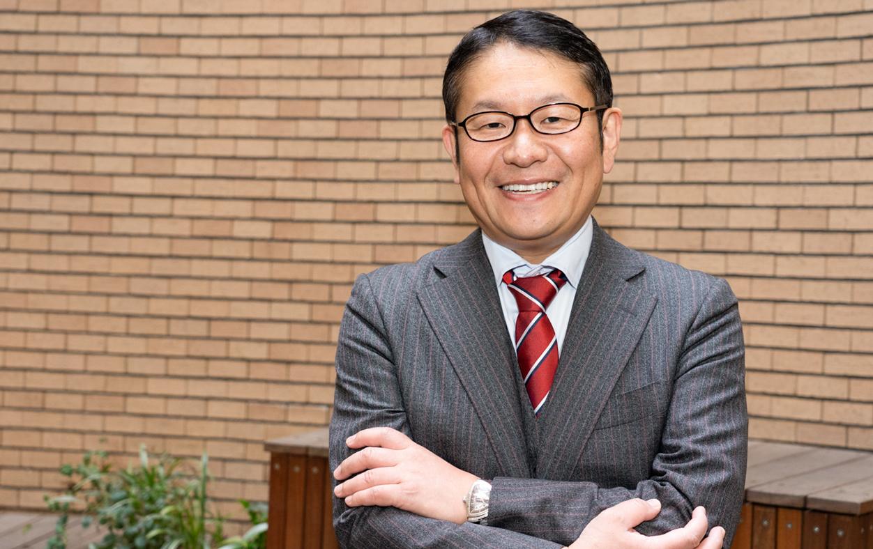 テアトルアカデミーの教育プログラムの開発に携わる教育家・小川大介先生